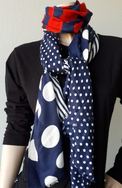 Sjaal blauwe bollen met rood