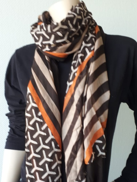 Sjaal retro bruin 1