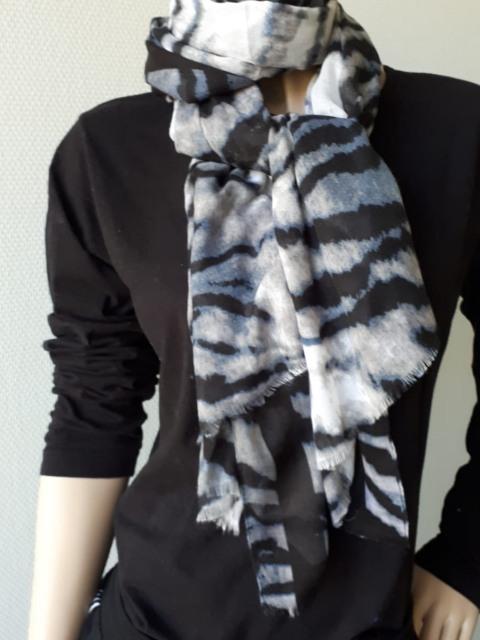 Sjaal zwart grijs zebra